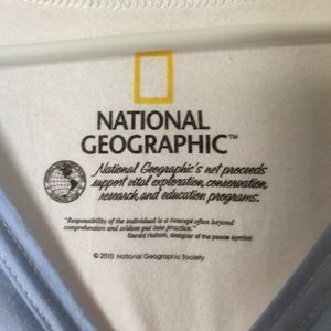 National Geographic Tops - 🌵National Geographic Bear Tee